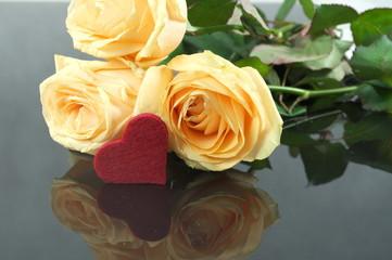 róże z sercem