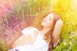 Leinwanddruck Bild - Blumenwiese Frau Natur