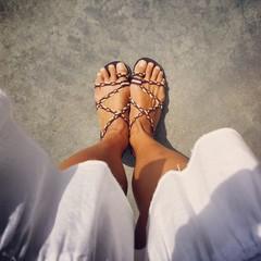 Piedi con sandali