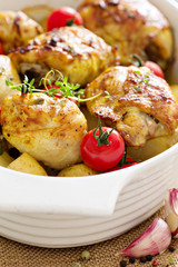 Chicken with potatoes and fresh tomatoes