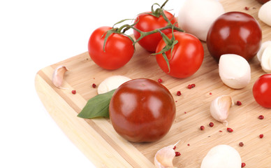 Ripe tomatoes and fresh mozzarella.