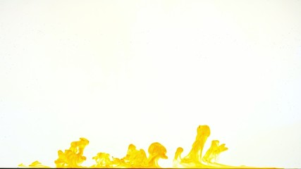 dissolving in water a yellow color ink