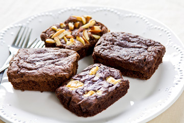 Brownies with varieties topping