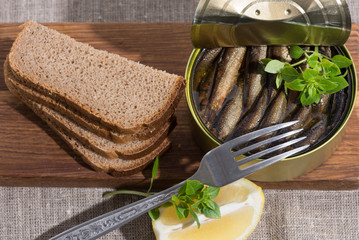sprats in a tin and coarse rye bread