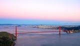 Widok z mariny na most Golden Gate o poranku