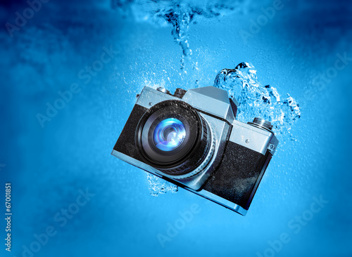 sinking camera