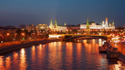 Moscow Kremlin and the teristichesky ships floating down the riv