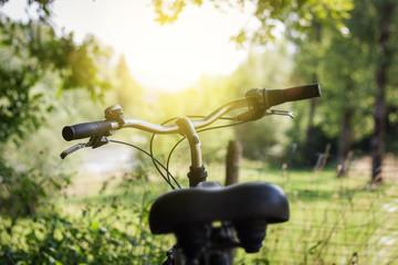 Fahrradlenkrad im Sonnenlicht