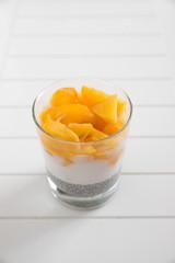 Chia Pudding mit Früchten
