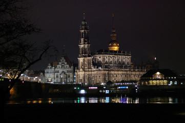 Neustädter Ufer Dresden bei Nacht