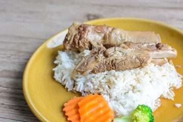 Pork ribs with cooked rice