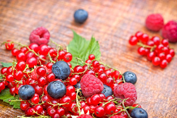 Strong antioxidants - 	berry fruits