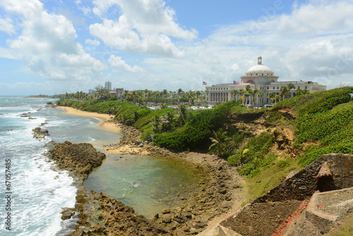 Papiers peints Fortification Puerto Rico Capitol and Rocky Coast, San Juan
