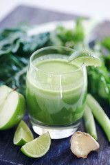 Organic cleansing green juice