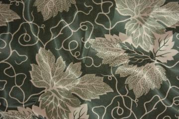 Tissu satiné - Motif  feuille de vigne vierge