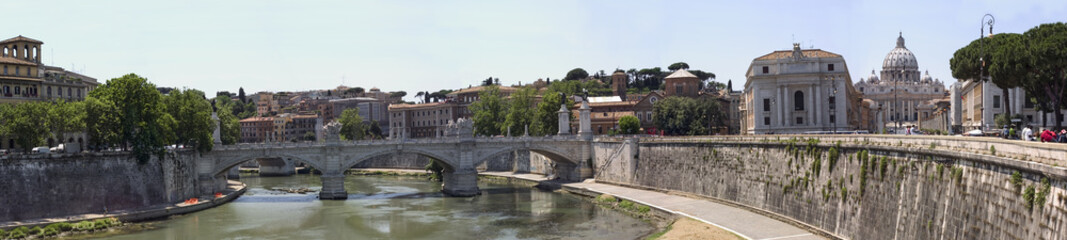 Roma, panoramic view of lungotevere