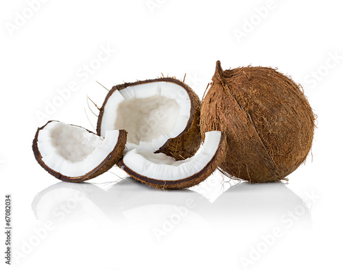 Aluminium Palm boom Coconuts. Coco Nut isolated on white Background