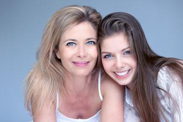mère et fille beauté bonheur