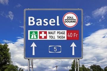 Hinweisschild auf Mautgebühr, Richtung Schweiz