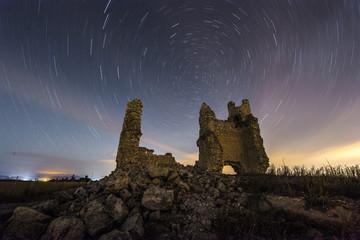Circumpolar en las ruinas del castillo de Caudilla,España