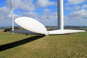 Rotor eines Windrads am Boden