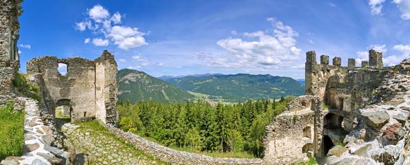 Blick von der Ruine Steinschloss ins Murtal / Steiermark