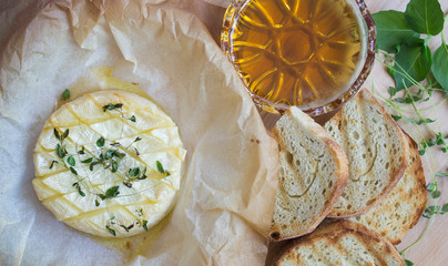 Baked Camembert with thyme