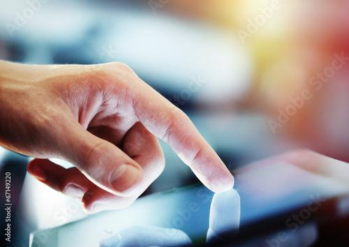 Leinwanddruck Bild tablet in hand