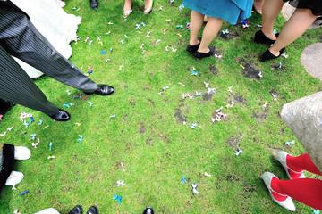結婚パーティーの足元