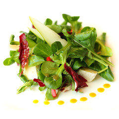 Gourmet salad with camembert cheese and pear