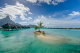 Luxury overwater bungalows with view of Pacific Ocean - 67163842