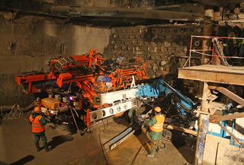Construction of the tunnel, drilling rig for jet grouting