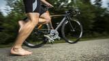 Triathlet mit Fahrrad