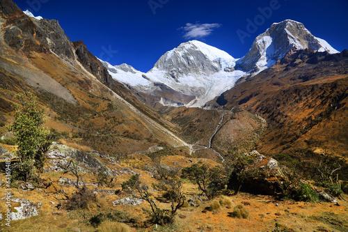 Papiers peints Amérique du Sud Huascaran Norte (6655m) and Huascaran Sur (6768 m), Peru