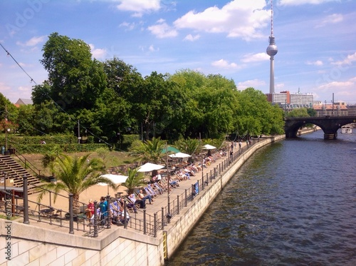 canvas print picture relaxing with Museumsinsel view in Berlin