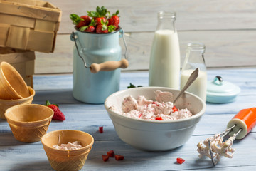 Homemade production of strawberry ice cream