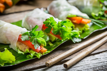 Spring rolls with vegetables and chicken
