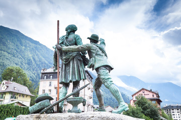 monument to the first and second climbers on Mont Blanc