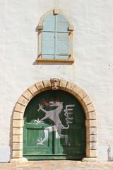 Das steirische Wappentier: weißer Panther auf grünem Grund