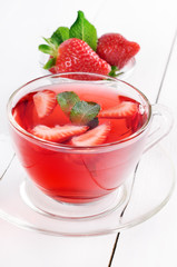 Strawberry tea with mint