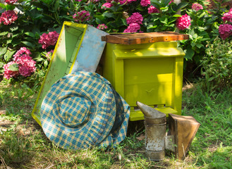 Beehive and beekeeping equipment