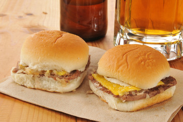 cheeseburger sliders and beer