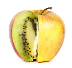 Kiwi in apple