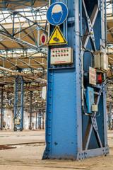 Stellwerk Eisenbahn Stahlträger