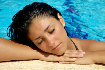 Relaxing in swimmingpool
