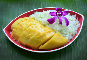Thai dessert, Mango with sticky rice.