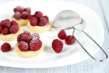 Tartlets with fresh raspberries