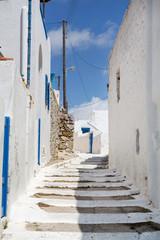 Typische Gasse auf den Kykladen in Griechenland