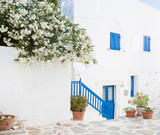 Fototapety Architecture on the Cyclades. Greek Island buildings with her ty