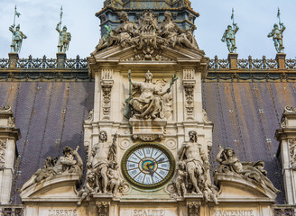 The Hôtel de Ville close-up  of the clock tower